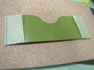 シンプルな革の名刺入れ (3)